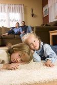Niños en el hogar — Foto de Stock