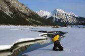 Kişi kar maligne Sıradağları, alberta, Kanada — Stok fotoğraf