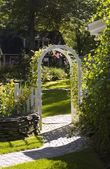 Archway Into Yard — Stock Photo