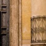 Pillar And Door, Rome, Italy — Stock Photo