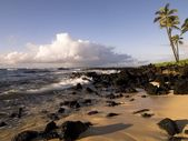 Rocky Beach, Poipu, Kauai, Hawaii — Stock Photo