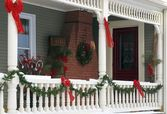 House decorated with christmas decorations — Stock Photo