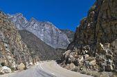 Vägen genom kings canyon national park — Stockfoto