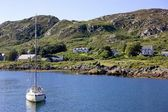 Colonsay, Scotland. View Of Boat Anchored Near Village — Stock Photo