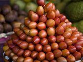 Mangosteen (Garcinia Mangostana), Bali, Indonesia. Fruit Piled In A Market — Stock Photo