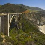 Bridge On Highway 1 Along The Pacific Ocean Near Big Sur — Stock Photo #31946433