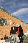 Senior Couple Outside Farmer's Market, Old Strathcona, Edmonton, Alberta, Canada — Stock Photo