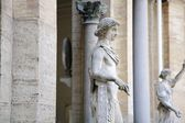 Statues In The Octagonal Belvedere Courtyard At The Vatican — Stock Photo