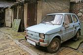 Carro enferrujado — Foto Stock