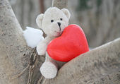 Teddy bear and heart — Stock Photo
