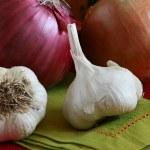 Fresh Garlic Bulbs — Stock Photo #35025309