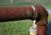 Rusty Pipe with Elbow Fitting — Stock Photo