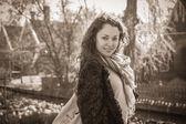 都市の幸せな女 — ストック写真
