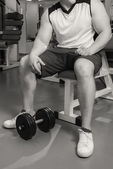 Man training with  dumbbell — Stockfoto