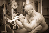 Man training on simulator — Stock Photo