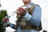 Rybak gospodarstwo rybne — Zdjęcie stockowe