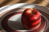 赤、熟したリンゴ — ストック写真