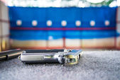 Gun shooting — Stock Photo
