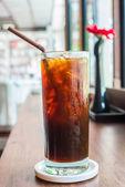Iced black coffee — Stock Photo