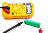 Checking battery voltage — Stock Photo