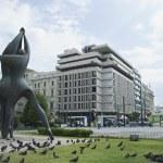 Statue in a garden, Klafthmonos Square — Stock Photo