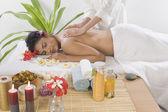 Kobieta powrót masaż — Zdjęcie stockowe