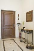 Stängd dörr i ett hus — Stockfoto