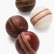 Old and new cricket balls — 图库照片