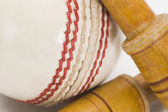 Cricket ball and bails — Stock Photo