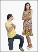 Man proposing to a woman — Stock Photo