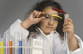 Scientist researching in the laboratory — Stock Photo