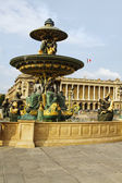 Fountain at Musee du Louvre — Stock Photo