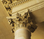 Column in Musee du Louvre — Stock Photo