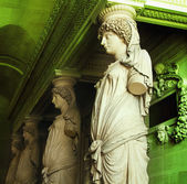 Statues in Musee du Louvre — Stock Photo