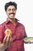 Man having vada — Stock Photo
