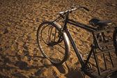 Cycle rickshaw on sand — Zdjęcie stockowe