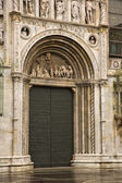 Facade of the Como Cathedral — Stock Photo