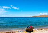 孤独的小船 — 图库照片
