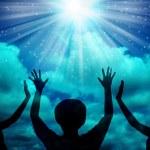 Woman worship and praise — Stock Photo #43951977