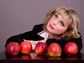 Woman with apples — Stock Photo