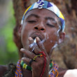 A moment in the life of the Hadza tribe of Lake Eyasi in Tanzania — Stock Photo
