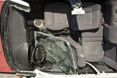 Uszkodzony samochód — Zdjęcie stockowe