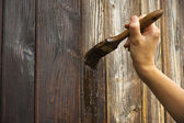 Mão com pincel — Fotografia Stock