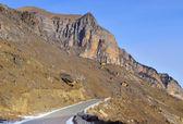 Paesaggio di montagna strada — Foto Stock