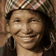 SAPA, VIETNAM - SEP 30:Unidentified woman of the flower H'mong indigenous women on September 30, 2009 in Sapa, Vietnam. Flower H'mong tribes is one of the minority tribes in Sapa, Vietnam. — Stock Photo