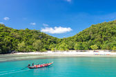 KOH SAMUI, THAILAND - JUNE 29 : group of passenger tour on Long- — Foto de Stock