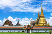 Wat Phra Kaew or the Temple of Thailand in bangkok, Public archi — Stock Photo
