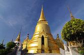 Palacio magnífico tailandés en bangkok, tailandia llaman wat phra kae — Foto de Stock