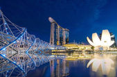 SINGAPORE - JULY 8 : Marina Bay Sands, Lotus Architecture and he — Stock Photo