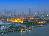 Grand palace at twilight from top view in Bangkok, Thailand — Stock Photo